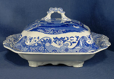 Spode Italian Pattern Tureen in the Rectangular Shape