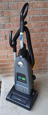*CLEAN* Tennant Commercial V-SMU-14 Single Motor Upright Vacuum Cleaner (LotA)