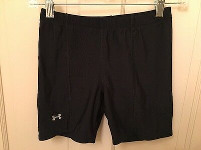 Under Armour Youth Medium Black Compression Shorts Spandex Compression