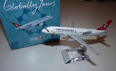 TURKISH AIRLINES Airbus A 320 Metall Modell 12,5cm lang OVP - Top