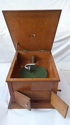 HMV Gramophone The Summer Model T.A.O. In Excellent Condition 1914 Model in Oak
