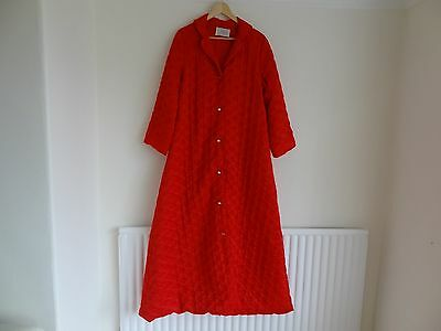 "Ladies Vintage Odette Barsa Quilted Red Dressing Gown/Robe Size 44"" Chest"