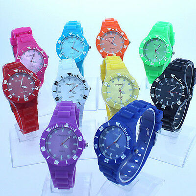 Lot Mixed Fashion 10pcs Lady Girl Plastic Strap Quartz Dress Wristwatch A2M