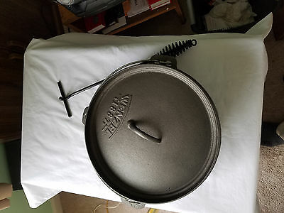 Wenzel Cast Iron Dutch Oven 6 Qt New With Carry Case Kitchen Campfire Cooking