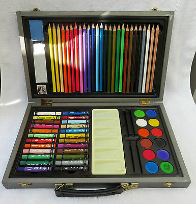 Reeves art set in carry case