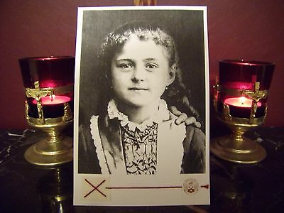 """St. Therese' the beloved """"Little Flower"""" as a Child Large Holy Card w/Relic"""