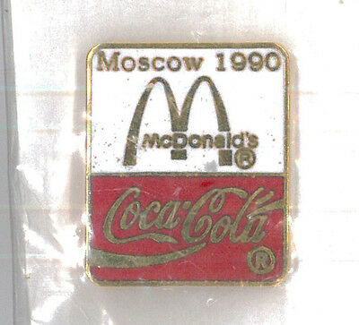 McDonalds restaurant pin - Moscow 1990 - Coke Coca-Cola - collector badge