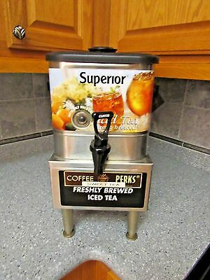 Wilbur Curtis comercial oval 3 gallon Iced Tea Dispenser and  Stand For Tco308