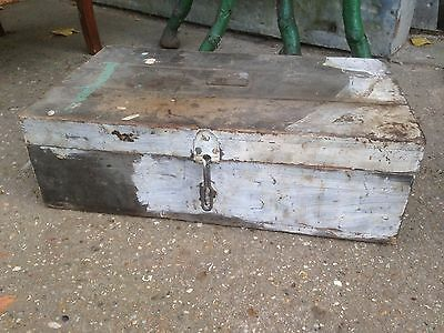 Vintage Retro Old Wooden Trunk Storage Box Coffee table