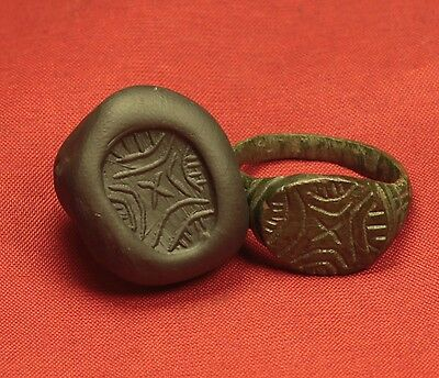 Big Ancient Roman Legionary Seal Ring, Finger Ring, 2. Century