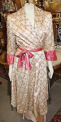 Antique Vintage 1940s Ladies Embroidered Quilted Satin Dressing Gown Robe