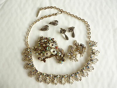 Group vintage costume jewellery necklace, 3 prs earrings 1 brooch 1940s-60s