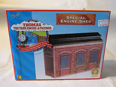 1996 Thomas The Tank Engine and Friends SPECIAL ENGINE SHED #99300 New in Box