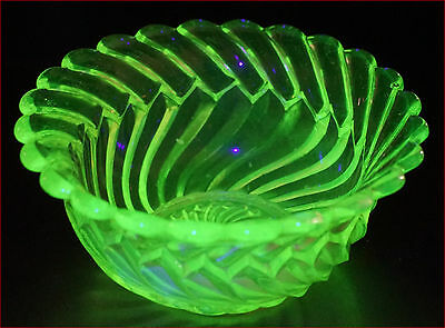 French Uranium Glass Twisted Bowl Early 20th C