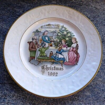 Royal Worcester Christmas Collector Plate - 1982 Christmas Evening