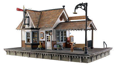 Woodland Scenics N Scale The Depot Train Station Lighted Built & Ready BR4942