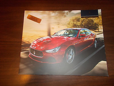 2016 Maserati GHIBLI 82-page Deluxe Sales Catalog / Very Nice !!