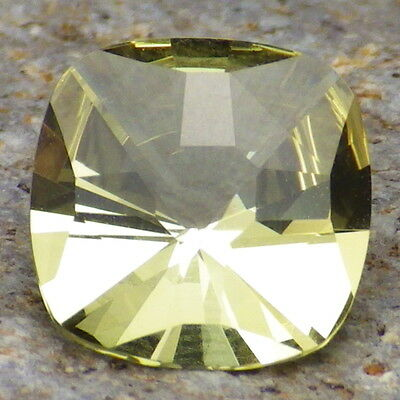 APATITE-MEXICO 2.98Ct FLAWLESS-LIVELY YELLOW GREEN-FOR HIGH-END JEWELRY!