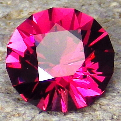 PYRALSPITE GARNET-E.AFRICA 3.07Ct FLAWLESS-TOP INVESTMENT-INCREDIBLE COLOR+CUT!