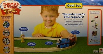 Thomas & Friends Wooden Railway - Real Wood - Oval Set Perfect For Beginners