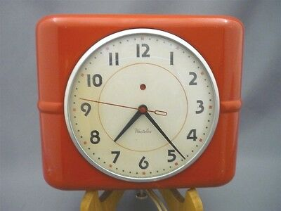 Vintage Kitchen Wall Clock 1950s RED Westclox Electric Metal Belfast S-7A RARE