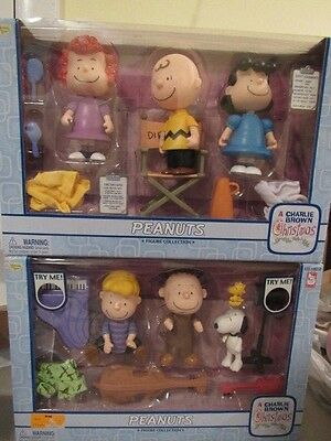 Peanuts Figures Charlie Brown Christmas Snoopy Winning Display Set of 2 NEW