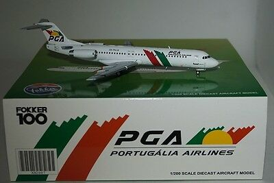 JC Wings XX2007 FOKKER F-100 PGA Portugália Airlines CS-TPA With Stand 1:200