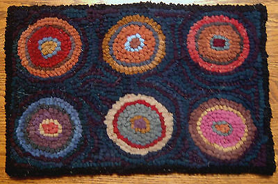 Six Penny Mat Primitive Rug Hooking KIT WITH #8 CUT WOOL STRIPS