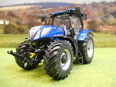 Universal Hobbies 2016 New Holland T7.225 Blue Power Tractor 1/32 4976 Brand New
