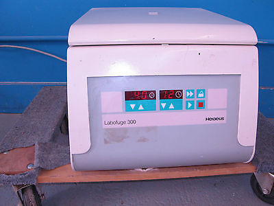 Heraeus Labofuge 300 Tabletop Centrifuge with 8 Place Rotor & 90 Day Warranty