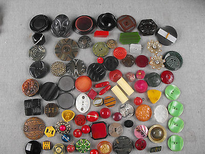 Large Lot Buttons Bakelite Mother Of Pearl Metal Glass Lucite