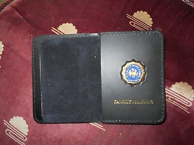 NYC Police Bi Fold Wallet Mini Shield NYPD Lieutenant Gold Color Novelty Item
