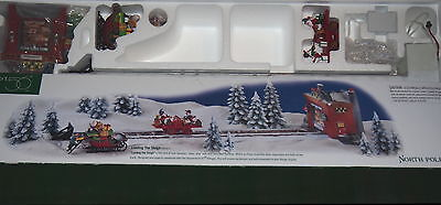 Dept 56 Loading the Sleigh NORTH POLE SERIES 56732 ACTION Tested & Works RETIRED