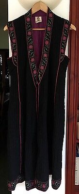 Vintage 70s Indian quilted midi waistcoat 8 10 12 black pink floral boho hippy