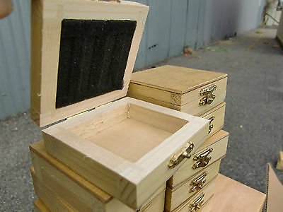 80x75x27mm Wooden Case With Clip (A Lot of 6)