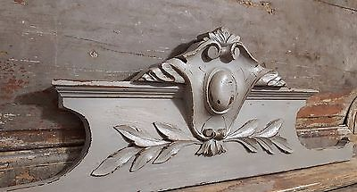 SHABBY GREY PEDIMENT ANTIQUE FRENCH CARVED WOOD COAT OF ARMS PANEL 19th 34.65 in