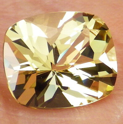 APATITE-MEXICO 2.92Ct FLAWLESS-LIVELY YELLOW GREEN COLOR-FOR TOP JEWELRY!