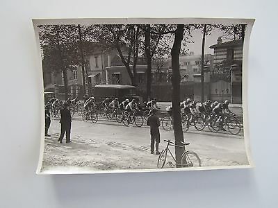 Photo  presse CYCLISME - PARIS - CAEN  = Départ AU VESINET      1934