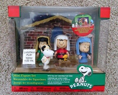 Snoopy Christmas Display Peanuts Posable Figurine Nativity Pageant Set 5 Piece