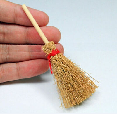 Wooden Broom Wicca Witch Garden 1:12 Dollhouse Miniature Accessory Gift ☆