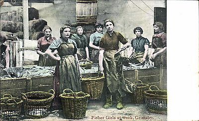 Grimsby. Fisher Girls at Work in Jay Em Jay Series.