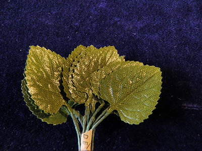 "Vintage Millinery Flower Leaf Green Heart Shaped 1"" Japan 12 stems in Bunch Y280"