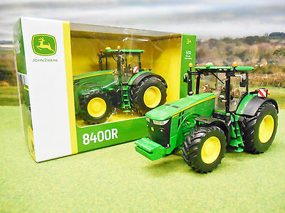 Britains John Deere 8400R 4Wd Tractor 1/32 43174 New & Boxed