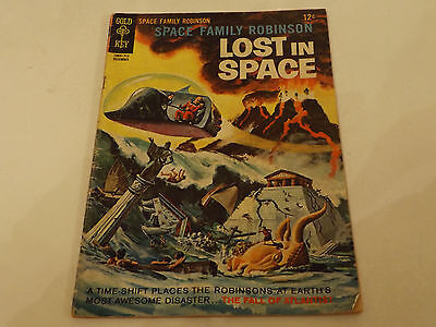 LOST IN SPACE PICTURE LIBRARY,NO 25,1967 ISSUE,GOOD FOR AGE,50yrs old,RARE COMIC