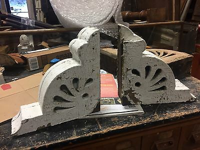 PAIR c1885 antique VICTORIAN gingerbread CORBEL brackets crusty white paint 11.5