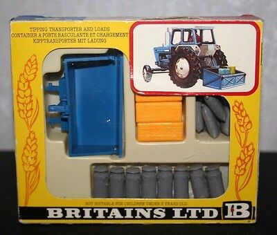 Britains 9545 Tipping Transporter & Loads 1:32 Scale boxed