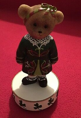 Faithfull fuzzies musical ornament - Molly - Irish Traditional Costume