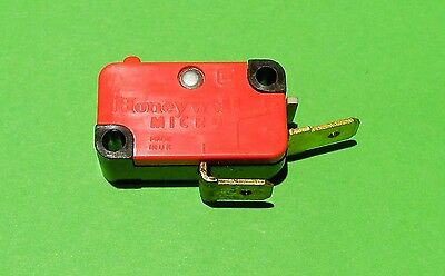 Honeywell V3 9023M Sp 15 Amp 250Vac Change Over Button Micro Switch New