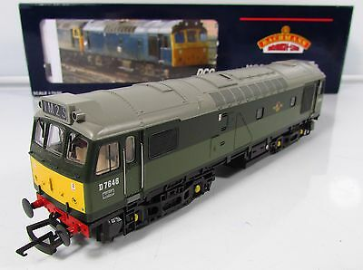 OO Gauge Bachmann 32-405 DCC FITTED Class 25 D7646 BR Two Tone Grean Loco