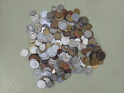 A Large Collection Of World Coins....             Excess Of 400..............